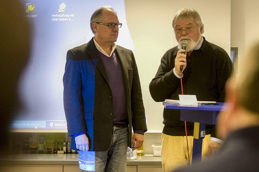 Der Blaue Tisch an der Lutherkirche in Hagen am 03.02.2012