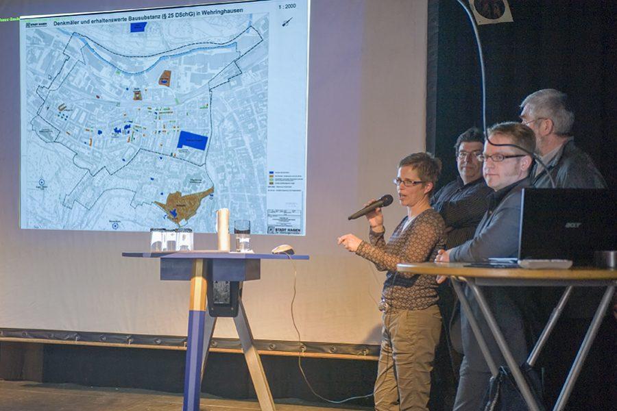 Der Blaue Tisch am Bodelschwingh-Platz in Hagen-Wehringhausen am 23.03.2012