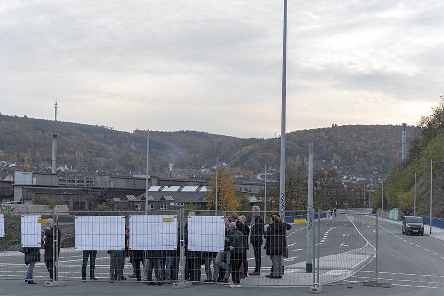 """Blauer Tisch: """"Aktueller Stand der Bahnhofshinterfahrung"""""""